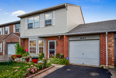 Carol Stream Condo/Townhouse Contingent: 1452 Oxford Street