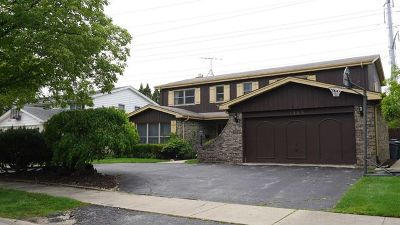 Wilmette Single Family Home For Sale: 1103 New Trier Court
