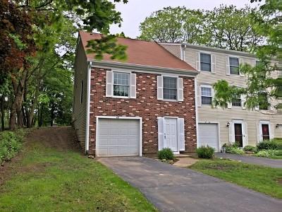 Bright Oaks Condo/Townhouse Price Change: 40 Oak Valley Drive
