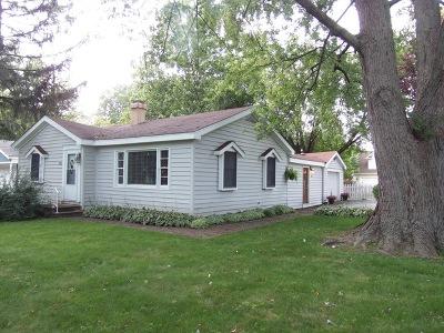 Darien Single Family Home Contingent: 102 Iris Road