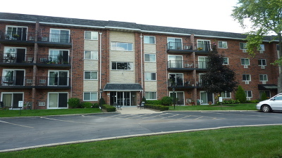 Wheaton Condo/Townhouse For Sale: 100 West Park Circle Drive #2A