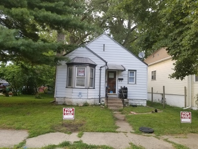Calumet City Single Family Home For Sale: 426 156th Place