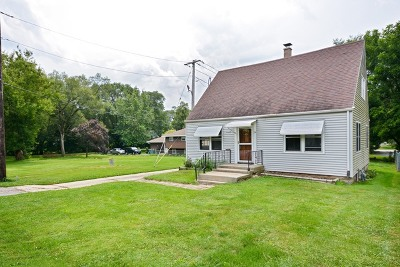 St. Charles Single Family Home Contingent: 6n346 Oakwood Drive