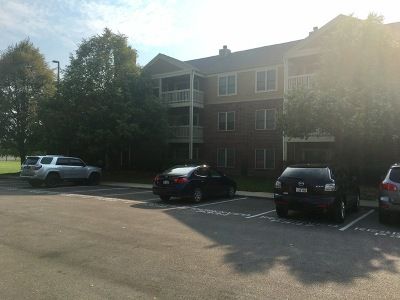 Bloomingdale Condo/Townhouse Contingent: 204 Glengarry Drive #303