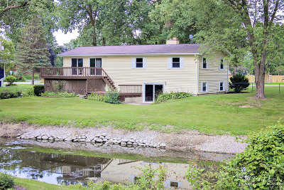 McHenry Single Family Home For Sale: 2952 Shorewood Drive