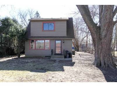 Algonquin Single Family Home For Sale: 3212 East Bend Drive