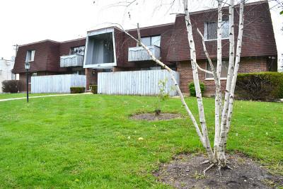 Barrington Rental Contingent: 565 North Carl Avenue #106
