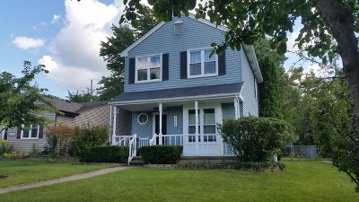 Geneva Single Family Home Contingent: 1006 Manchester Course