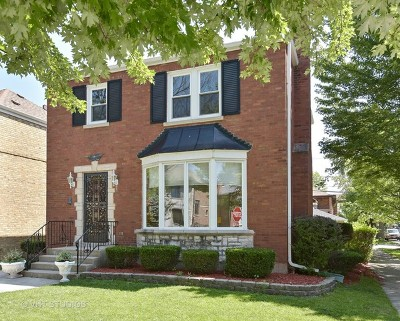Chicago Single Family Home For Sale: 6201 North Kedvale Avenue