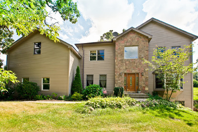 Spring Grove Single Family Home For Sale: 2601 Spring Leaf Drive