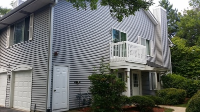 Woodridge Condo/Townhouse For Sale