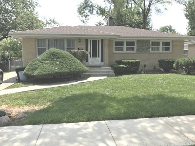 Addison Single Family Home For Sale: 709 West Willow Gln Street