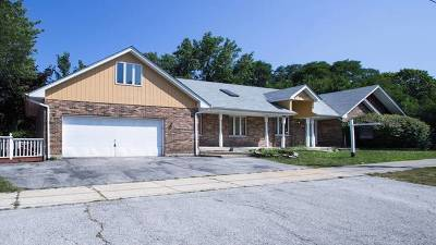Oak Forest Single Family Home For Sale: 4924 154th Street