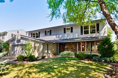 Mount Prospect Single Family Home For Sale: 104 East Hiawatha Trail