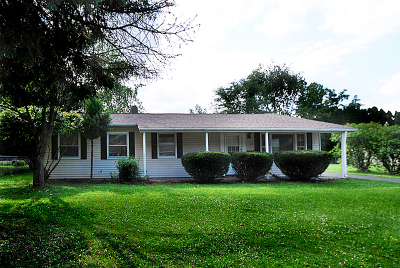 Montgomery Single Family Home Contingent: 63 Circle Drive West