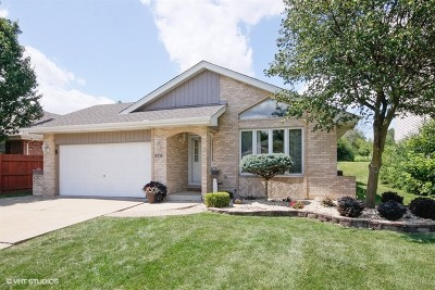 Oak Forest IL Single Family Home For Sale: $290,000