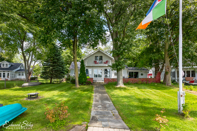 Crystal Lake Single Family Home For Sale: 1153 North Shore Drive