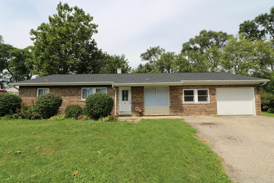 McHenry Single Family Home For Sale: 2210 Manor Lane