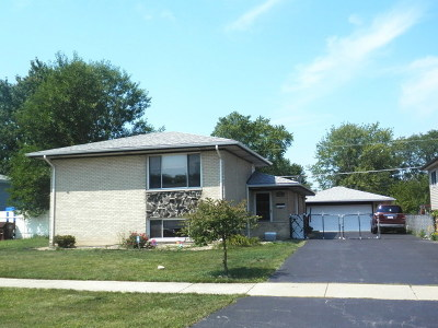 Oak Forest IL Single Family Home For Sale: $180,000