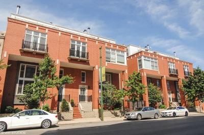 Cook County Condo/Townhouse For Sale: 2843 North Lincoln Avenue #209
