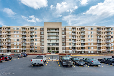 Lombard Condo/Townhouse Contingent: 150 West Saint Charles Road #605