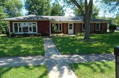 St. Charles Single Family Home For Sale: 932 South 12th Avenue