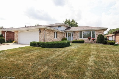 Oak Forest IL Single Family Home For Sale: $254,900