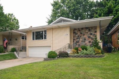 La Grange Park Single Family Home For Sale: 1230 Woodside Road