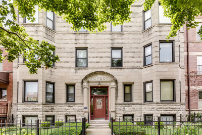 Cook County Condo/Townhouse For Sale: 4442 North Dover Street #1N