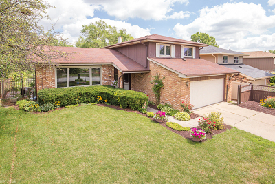 Oak Forest IL Single Family Home For Sale: $223,900