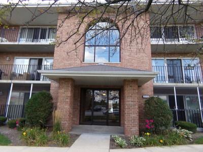Oak Forest IL Condo/Townhouse For Sale: $117,500