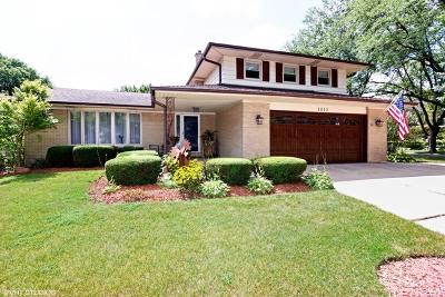 Mount Prospect Single Family Home For Sale: 1813 East Maya Lane