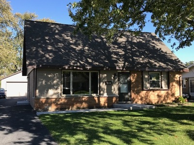 Crestwood Single Family Home For Sale: 5230 Pleasant Lane