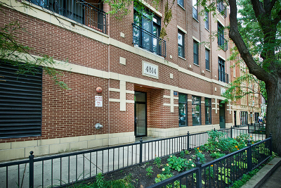 Cook County Condo/Townhouse New: 4814 North Damen Avenue #201