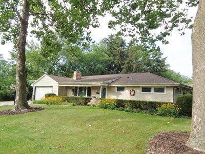 Wheaton Single Family Home For Sale: 2001 Paddock Court