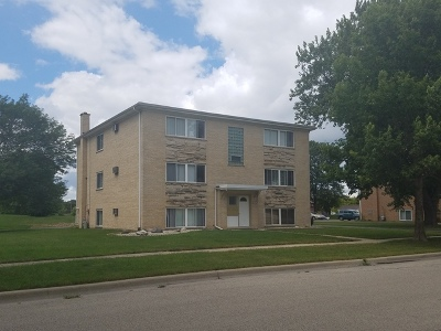 West Dundee Multi Family Home Contingent: 624 Edwards Avenue