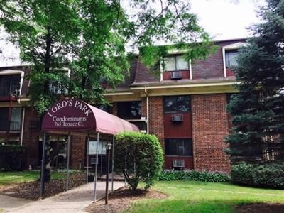 Elgin Condo/Townhouse Contingent: 765 Terrace Court #308