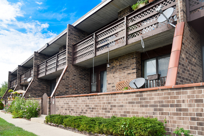 Elgin Condo/Townhouse For Sale: 909 Kenneth Circle