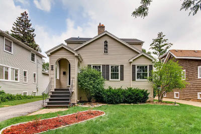 Villa Park Single Family Home For Sale: 219 South Illinois Avenue