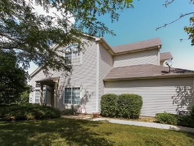 South Elgin Condo/Townhouse Contingent: 230 Courtland Drive #A