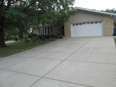 Palos Heights, Palos Hills Single Family Home For Sale: 12730 South Winnebago Road