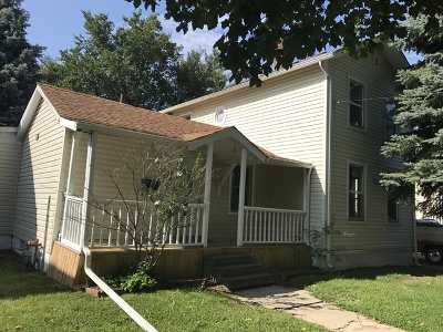 Aurora Single Family Home Contingent: 437 North Avenue