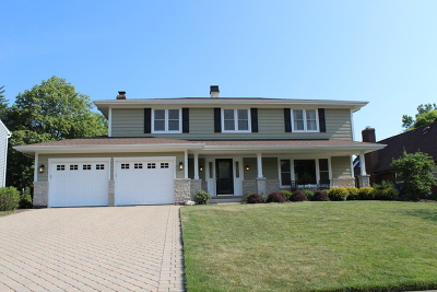 Glen Ellyn Single Family Home Contingent: 22w230 McCarron Road