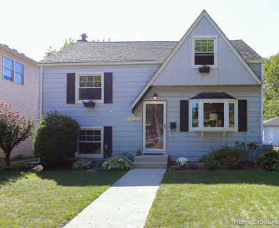 Downers Grove Single Family Home For Sale: 4608 Pershing Avenue