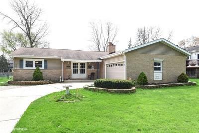 Darien Single Family Home For Sale: 1021 Willow Lane