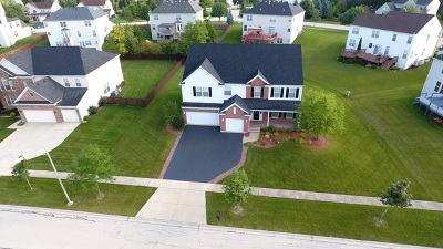 Carpentersville Single Family Home Contingent: 3710 Rolling Hills Road