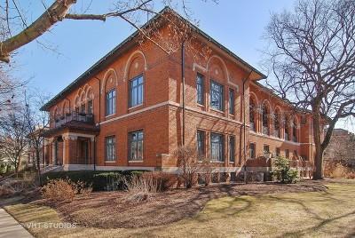 Oak Park Condo/Townhouse Contingent: 721 Ontario Street #202