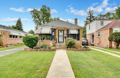 Broadview Single Family Home Contingent: 2413 South 13th Avenue