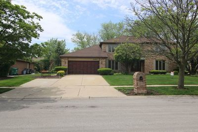 Orland Park Single Family Home Contingent: 14510 Country Club Lane