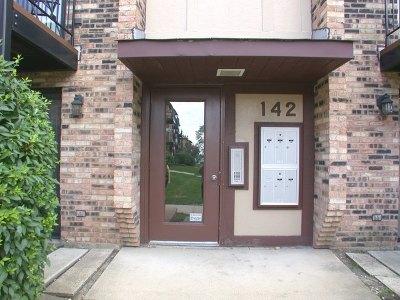 Carol Stream Condo/Townhouse For Sale: 142 Klein Creek Court #1A